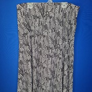 Vintage a-line skirt with black and white pattern